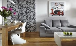 Tapety tekstylne flizelinowe, samoprzylepne i magnetyczne: dekoracje ścian