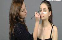 Makijaż inspirowany stylem Mili Kunis