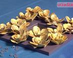 Złota ramka z różami z papieru