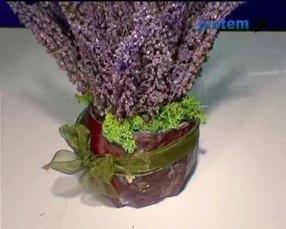 Jesienna dekoracja: wazon z kapusty z wrzosami