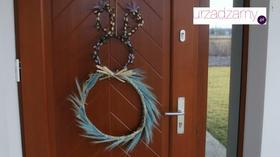 Wiklinowy zajączek na drzwi