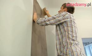 Tapetowanie ścian film: kładzenie tapety instrukcja wideo