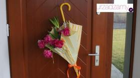 Wiosenny stroik na drzwi