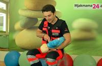Pierwsza pomoc u niemowlaka – zachłyśnięcie lub zakrztu