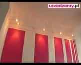 Dekoracyjne malowanie ścian - równoległe, kolorowe pasy