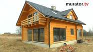 Dom z bali ocieplony pianką poliuretanową, ogrzewany pompą ciepła