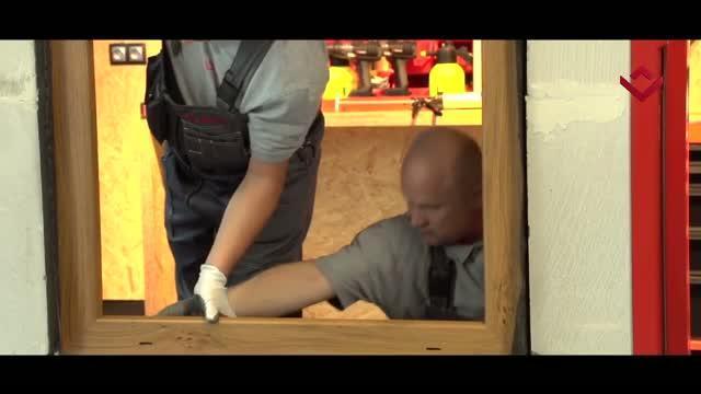 Montaż okna z użyciem energooszczędnego podkładu parapetowego