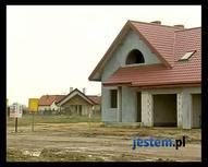 Jak ocieplić dom? Klejenie styropianu i kołkowanie