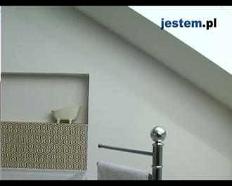 Łazienka na poddaszu? Zobacz, jak urządzić łazienkę pod skosami