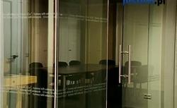 Szklane drzwi przesuwne. Możliwości zastosowania drzwi ze