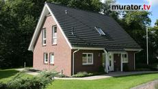 Co droższe: dom parterowy, piętrowy z poddaszem z płaskim