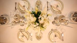 Dekoracja stołu na karnawał i sylwestra w stylu klasycznym