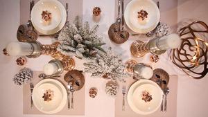 Dekoracja stołu na karnawał i sylwestra w stylu glamour