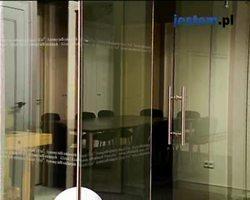 Szklane drzwi przesuwne: wideo poradnik