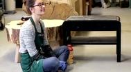 Odnawianie mebli: jak usunąć starą farbę z drewnianego mebla?